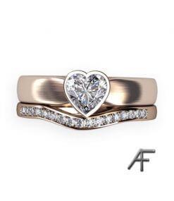 hjärtslipad diamant och alliansring