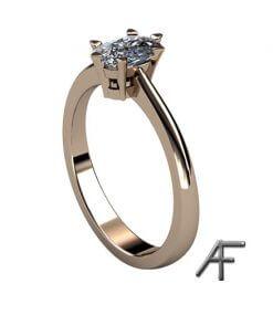 solitärring med cusion diamant