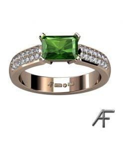 guldring med grön turmalin och diamaner