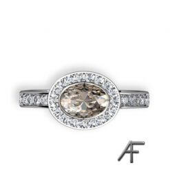 haloring med oval diamant