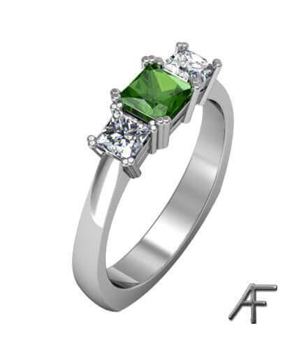 ring i platina med forrestgreen diamant