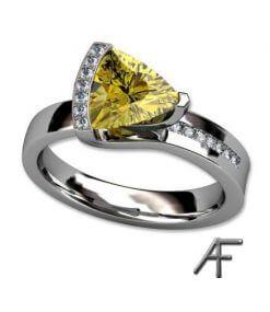vigselring med gul safir och diamanter